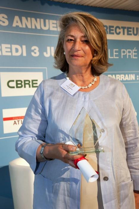 Trophée du Directeur immobilier Florence PERONNAU Directeur immobilier GROUPE SANOFI
